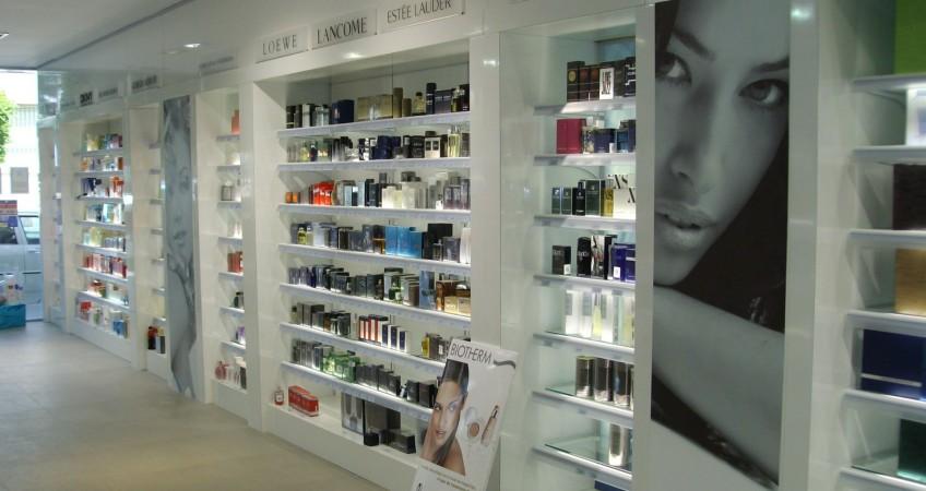 Proyecto mobiliario perfumer as super mobiliario perfumer as - Estanterias para perfumerias ...