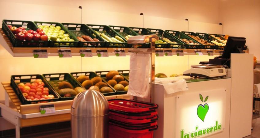 Proyecto mobiliario fruter a v a verde almer a for Decoracion de fruterias