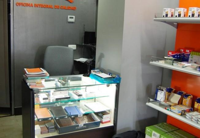 Mostradores para librer a y papeler a panatta mobiliario - Mobiliario para libreria ...