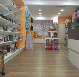 mobiliario-libreria-papeleria-ninot-18