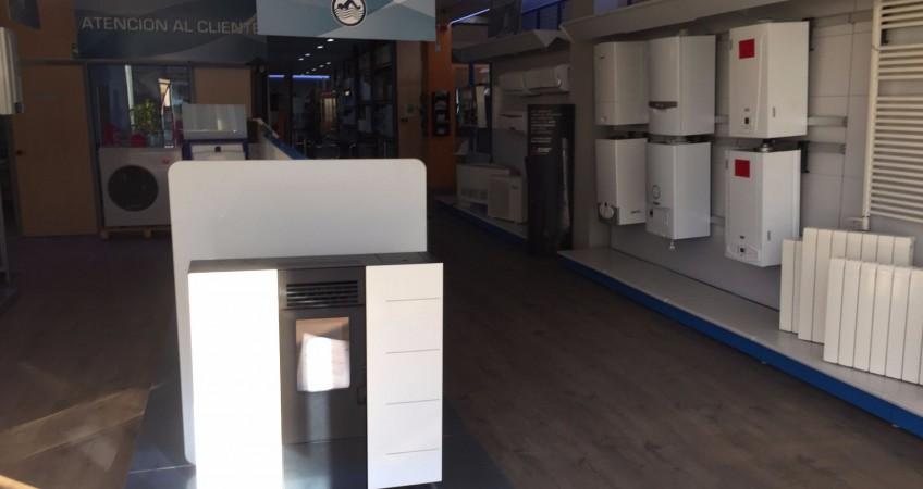 Proyecto mobiliario tienda fontaner a valsan granada - Poligono tecnologico ogijares ...