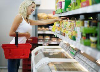 Colocación de los productos en las estanterías para vender más