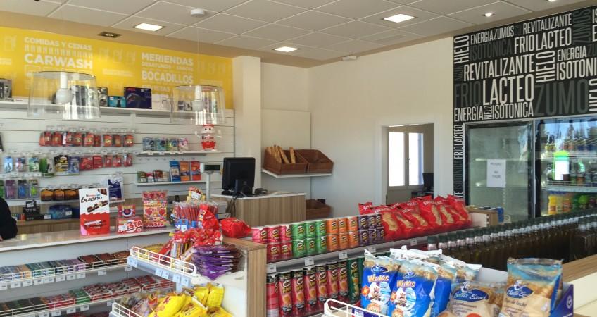 Diseño y decoración de Gasolinera BP Granada