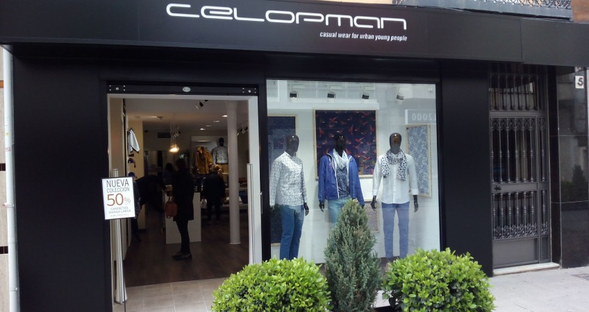 Decoración Comercial Tienda de Moda masculina Celopman Lucena