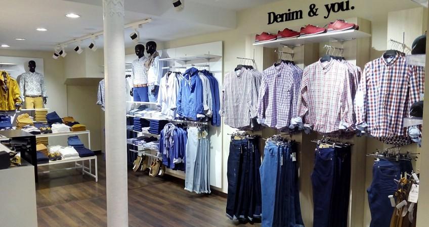 Equipamiento comercial Tienda de moda Celopman Lucena