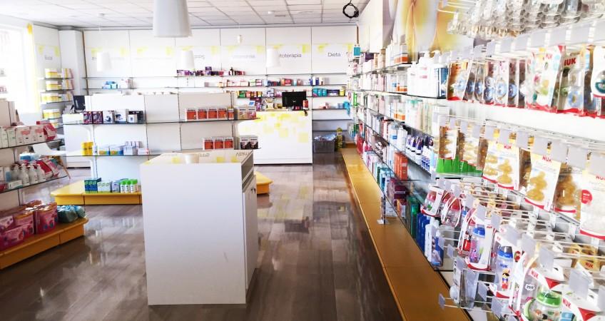 Proyecto de decoración y diseño de farmacia en Fuente Vaqueros, Granada