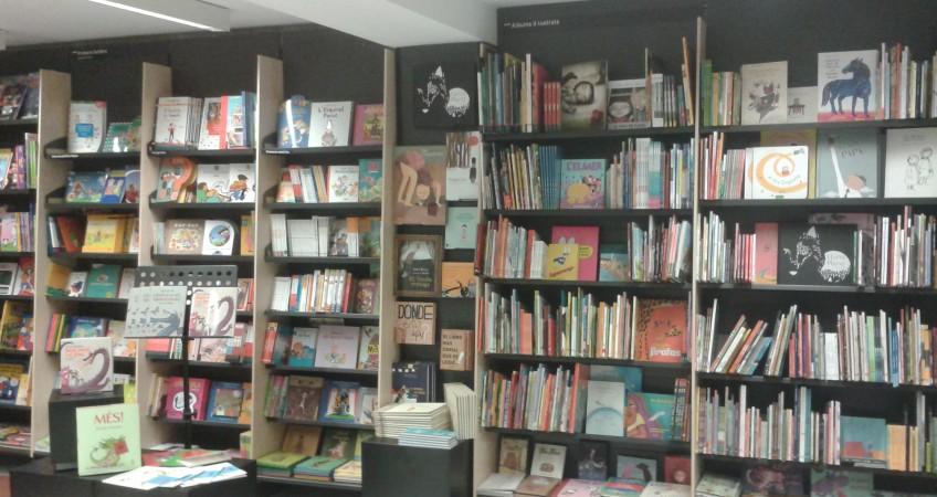 Estanterías para Libros - Libreria Abacus Mataro en Barcelona