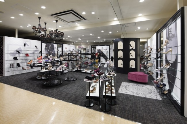 MIRADA-ROYAL-store-by-Ichiro-Nishiwaki-Design-Office-Kyoto-Japan