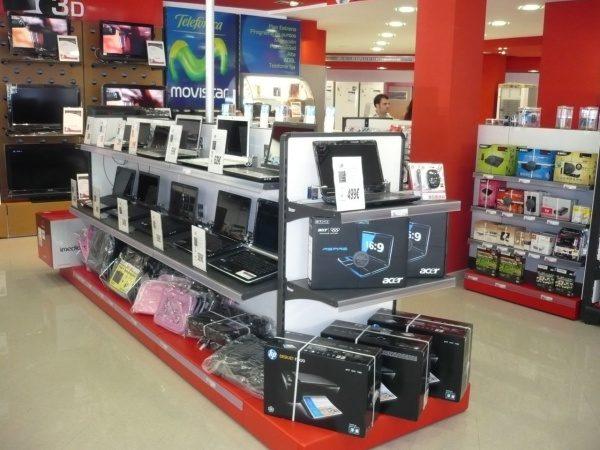 Mobiliario Comercial para Tienda de Electrodomésticos