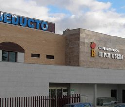 Mobiliario para Supermercado Hiperusera en Madrid
